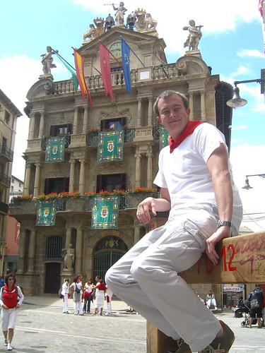 Erik and Pamplona Town Hall