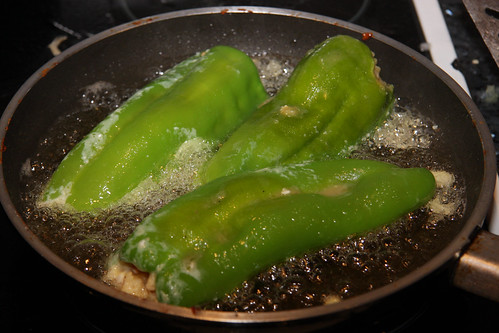 Frying stuffed peppers
