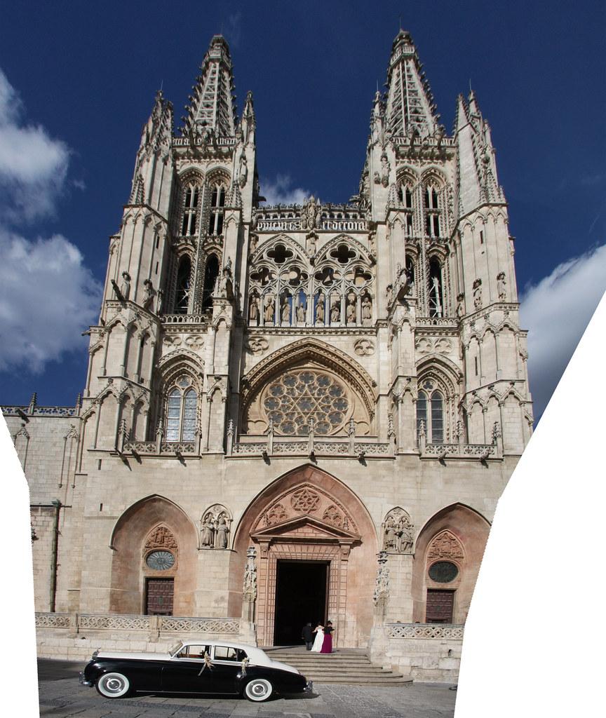 Rolls Royce Bride Burgos Cathedral Panorama