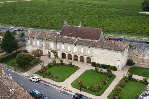 Saint Emilion Courtyard