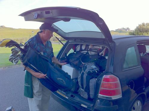 Jeff loads the van