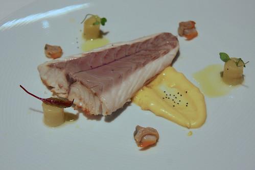 Restaurante Solana - Lomo de lubina con mantequilla aromatizada con berberechos.